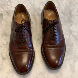 Size 8.5 Johnston and Murphy dress shoes
